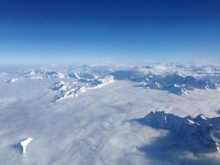 vista delle alpi sotto le nuvole