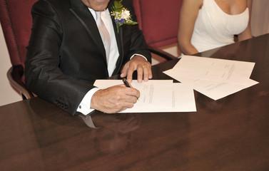 Wedding, Bridal signing contract
