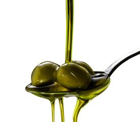 olio di oliva su fondo isolato