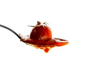 salsa di pomodoro su fondo isolato