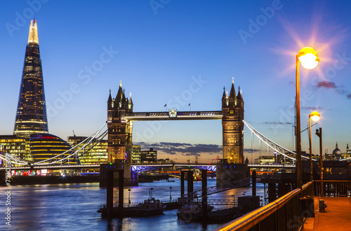 Fototapeta London View at Dusk