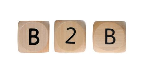 Holzwürfel mit B2B isoliert