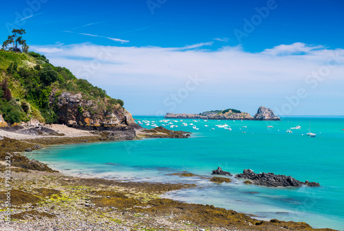 Cancale coast in Brittany  - France - 79323229