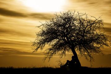 Gün batımı yalnız
