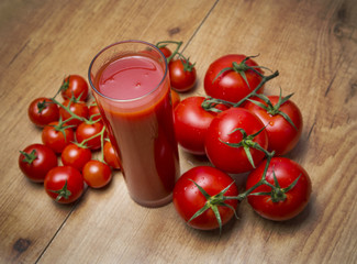 Zumo de tomate natural