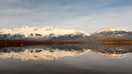 dağların yansıması ve doğanın güzellikleri