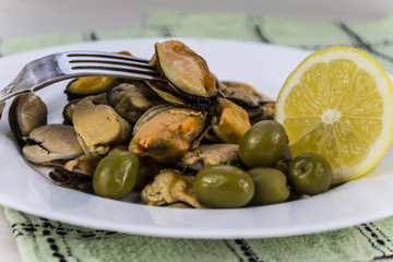 appetizer of mussels marinated with spices