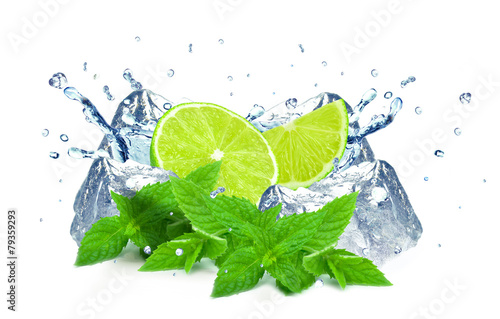 lime and water splash - 79359293