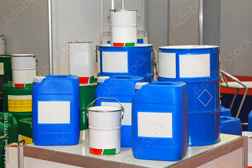 Chemical barrels - 79375493