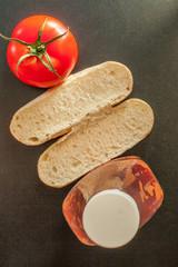 Хлеб с томатами
