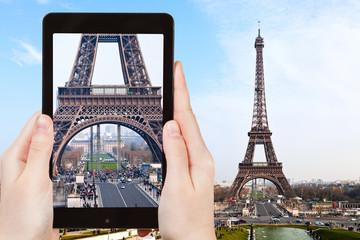 tourist taking photo Eiffel Tower from Trocadero