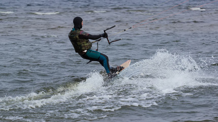 Kitesurfing in cold water