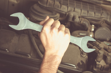 metal wrench for fixing a vehicle
