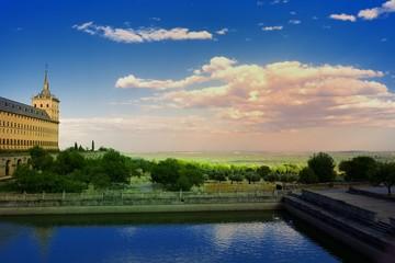 Vista desde el Monasterio del Escorial hasta Madrid