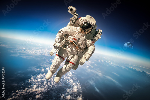 Astronaut in outer space - 79432278