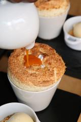 Herzoginnen Souffle mit Aprikosen Sauce