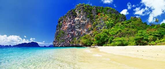 tropical tranquil scenery. Philippines El-nido © Freesurf