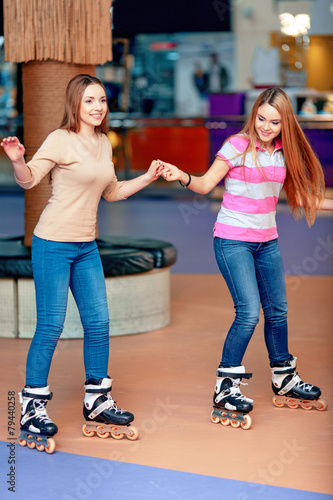 Beautiful girls on the rollerdrome - 79440258