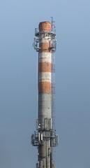 Przkaźniki GSM na kominie przemysłowym