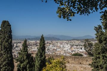 Málaga entre cipreses