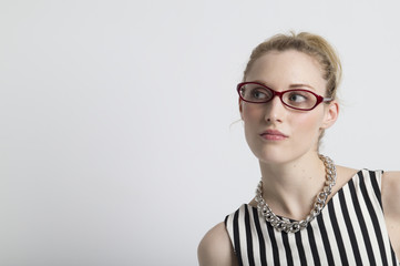Cute woman that wears glasses