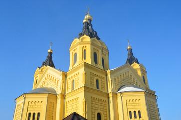 Купола храма Александра Невского в Нижнем Новгороде