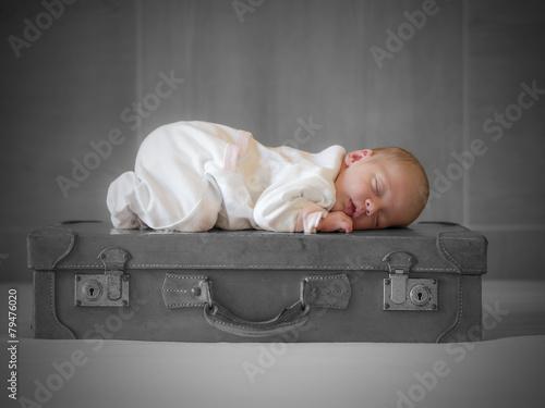 baby girl sleeping - 79476020