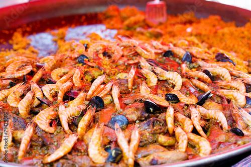 Keuken foto achterwand Boodschappen Fresh paella prepared on street market