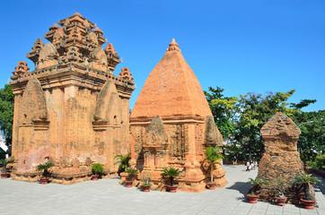 Храмовый комплекс По Нагар, Чамские башни. Нячанг. Вьетнам