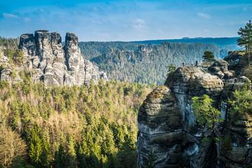 Aussicht von Bastei ins Elbsandsteingebirge