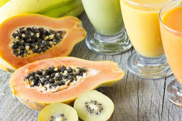 Papaya Kiwi Smoothies