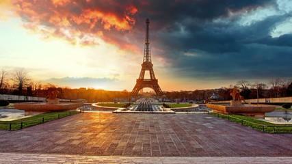 Paris, Eiffel tower at sunrise, Time lapse