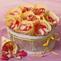 Hochzeitsbrauch Blütenstreuen
