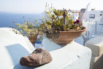 broken flowerpot in Oia, Santorini