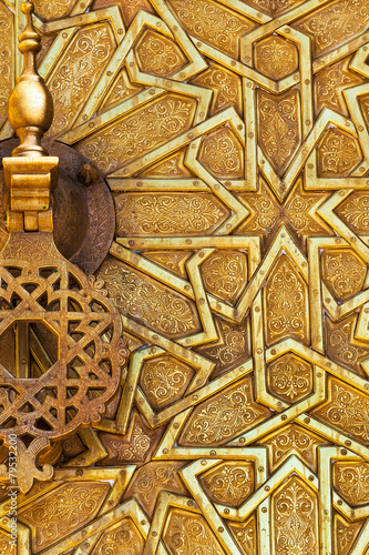 Fotobehang Marokko Detail of a brass door and knocker in Fez, Morocco