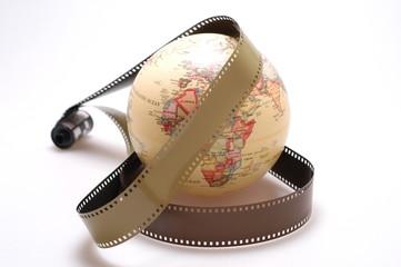 地球儀とフィルム