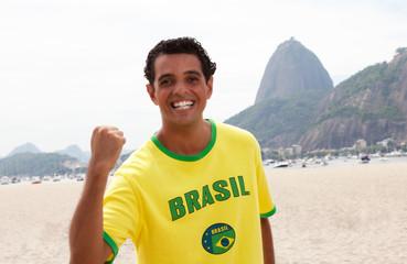 Brasilianischer Fan vor dem Zuckerhut