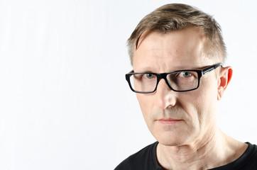 Portrait Mann mit Brille