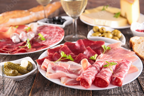 meat,cheese and wine - 79550491