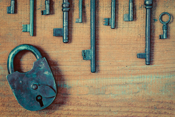 Old lock and keys