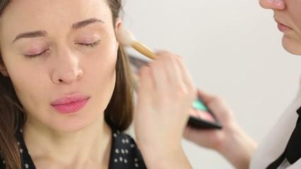 Professional makeup: natural beauty foundation
