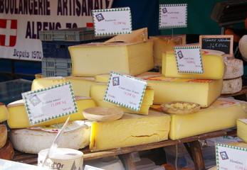 étal de fromage au marché
