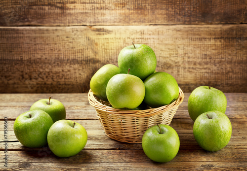 green apples © Nitr