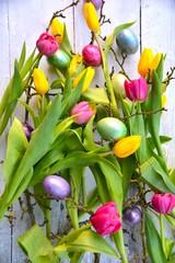 Osterkarte - bunter Blumenstrauß mit Ostereiern