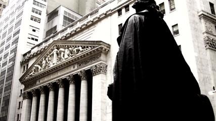Facade of New York Stock Exchange building / New York City, New York, USA=
