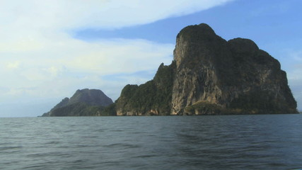 Zoom out on island and sea thailand