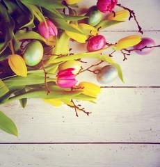 Osterkarte - Hintergrund Tulpen und Eier