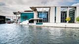 Berlin infrastruktura nowe budowle rzeka niemcy architektura - 79634443