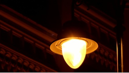 Power Fluctuations Street Lamp