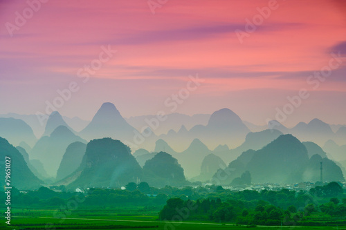 Tuinposter China Karst Mountains of Guilin, China